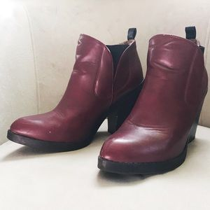 Deena & Ozzy by UO Maroon ankle boots